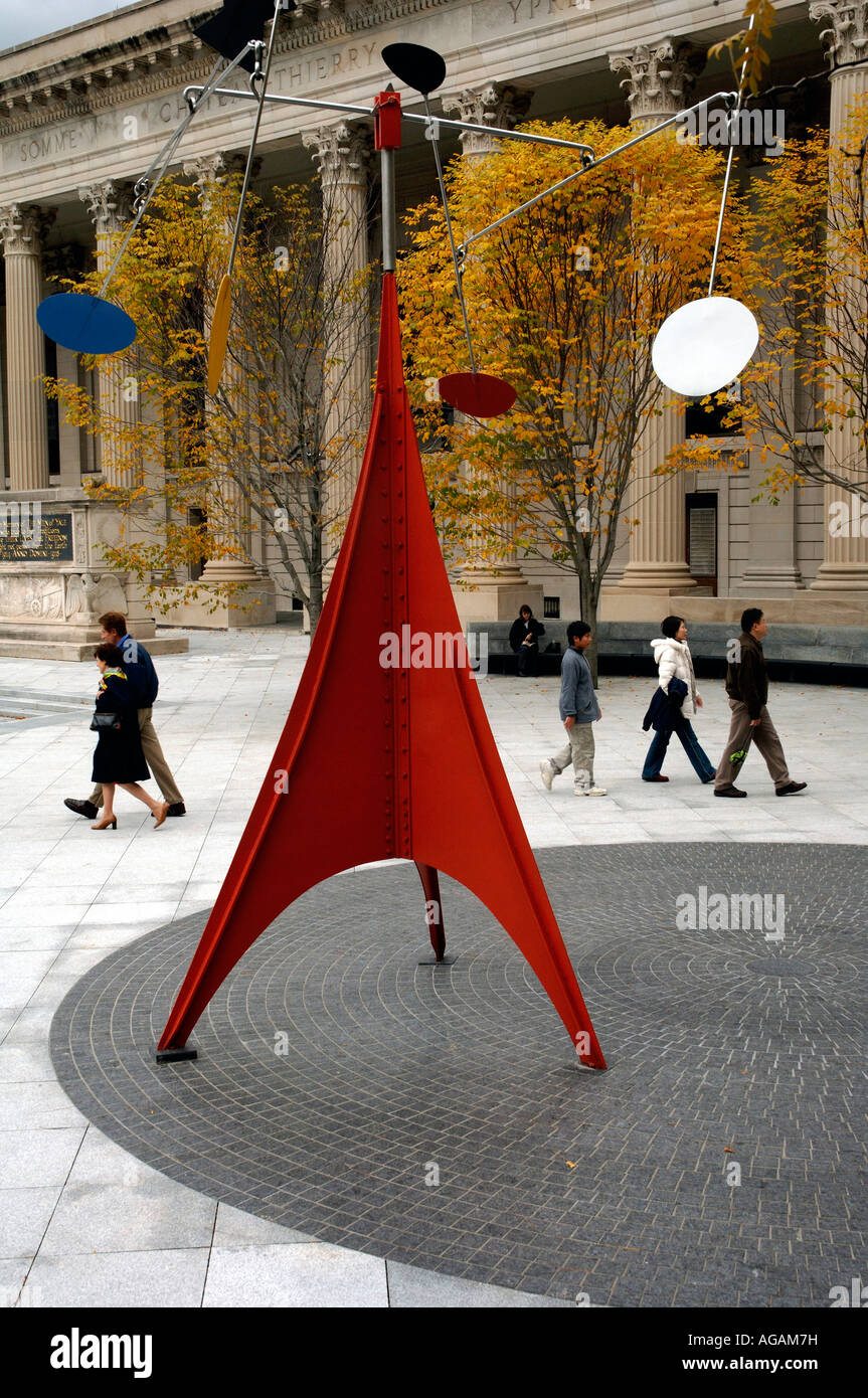 Yale University New Haven CT Alexander Calder kinetic sculpture Gallows Lollipops (1960) in Beinecke Plaza - Stock Image