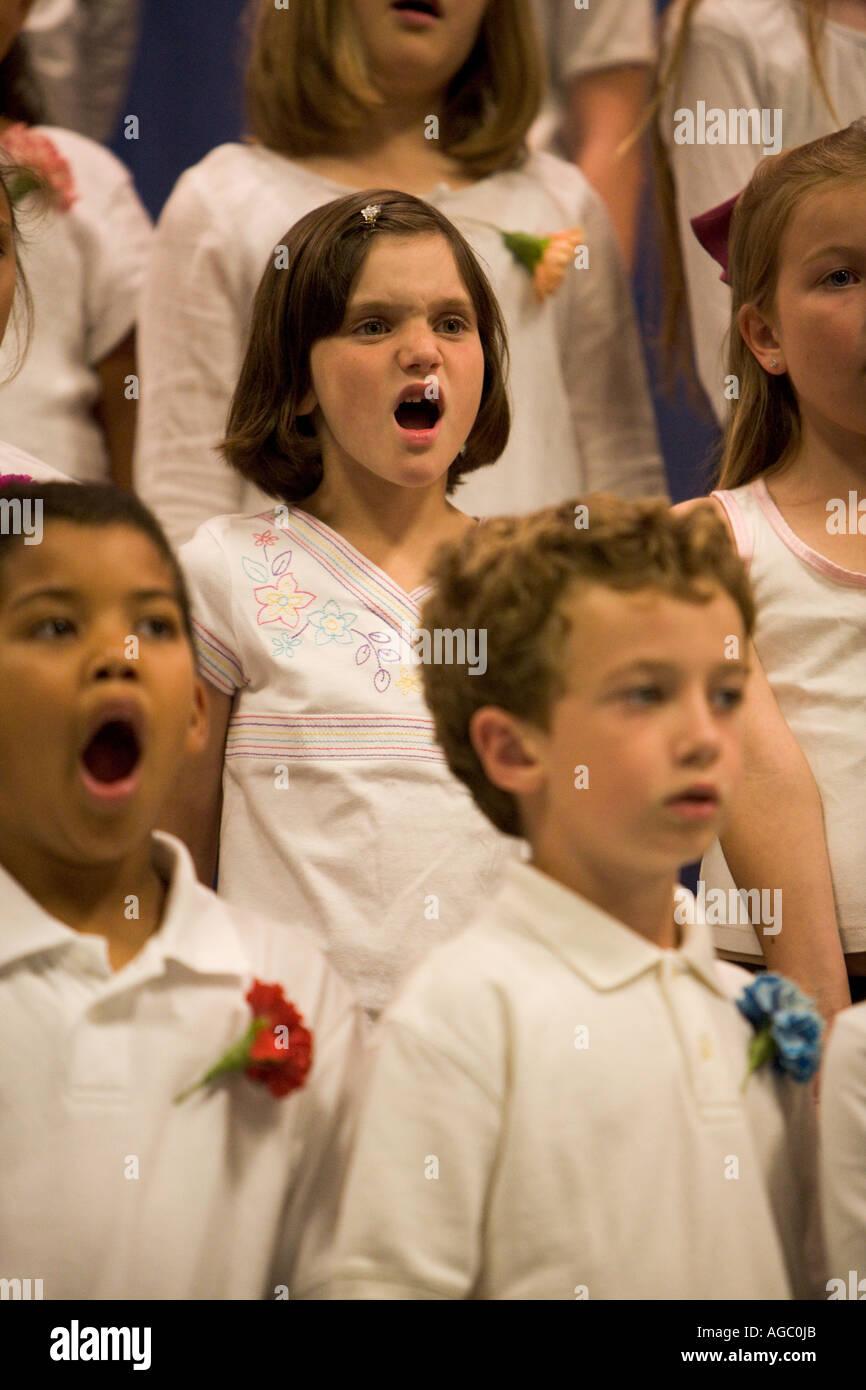 Children singing in a choir Farragut Elementary School Culver City California USA - Stock Image