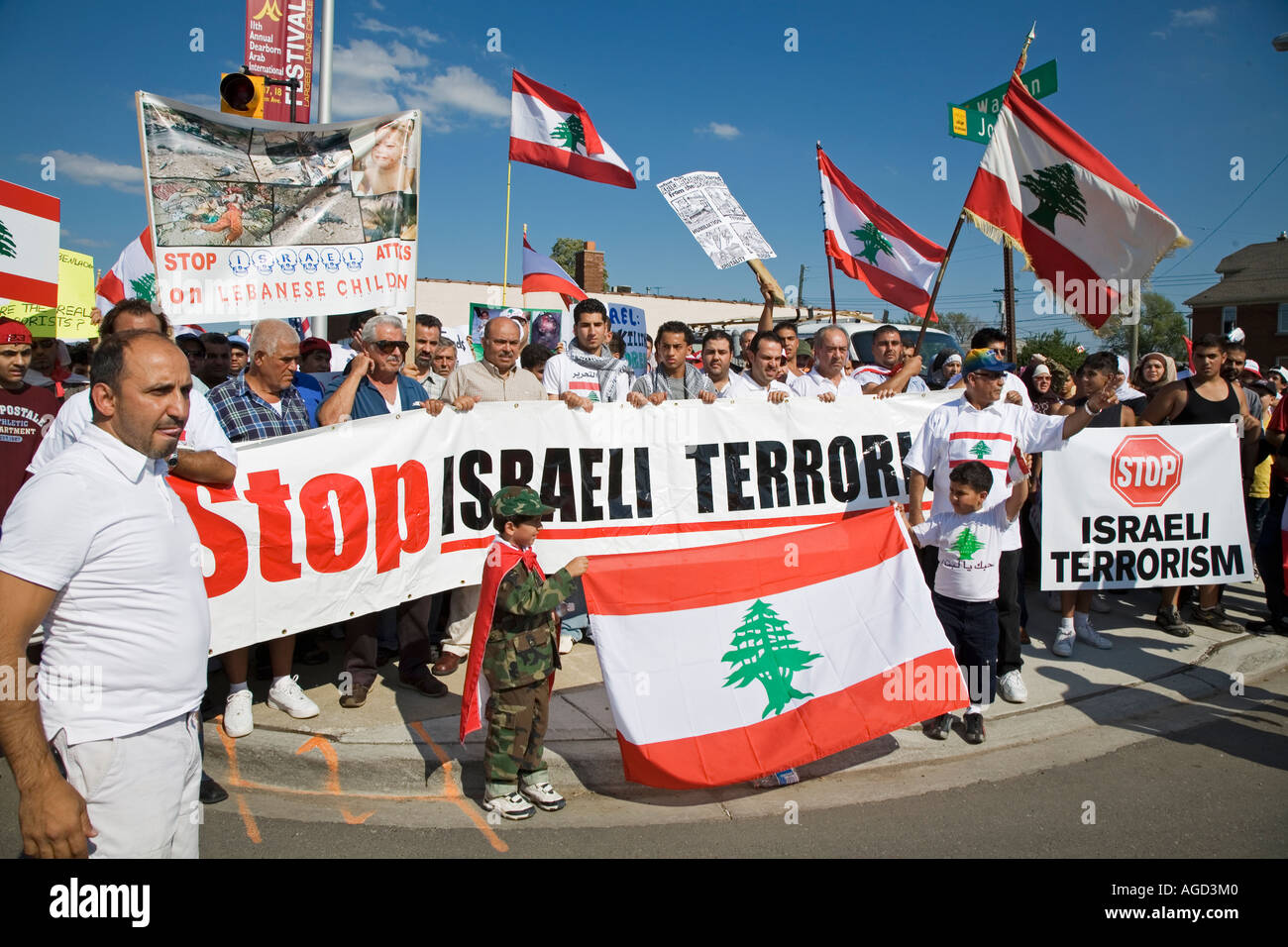 Dearborn Michigan Thousands of Arab Americans march against Israel s bombing of Lebanon - Stock Image