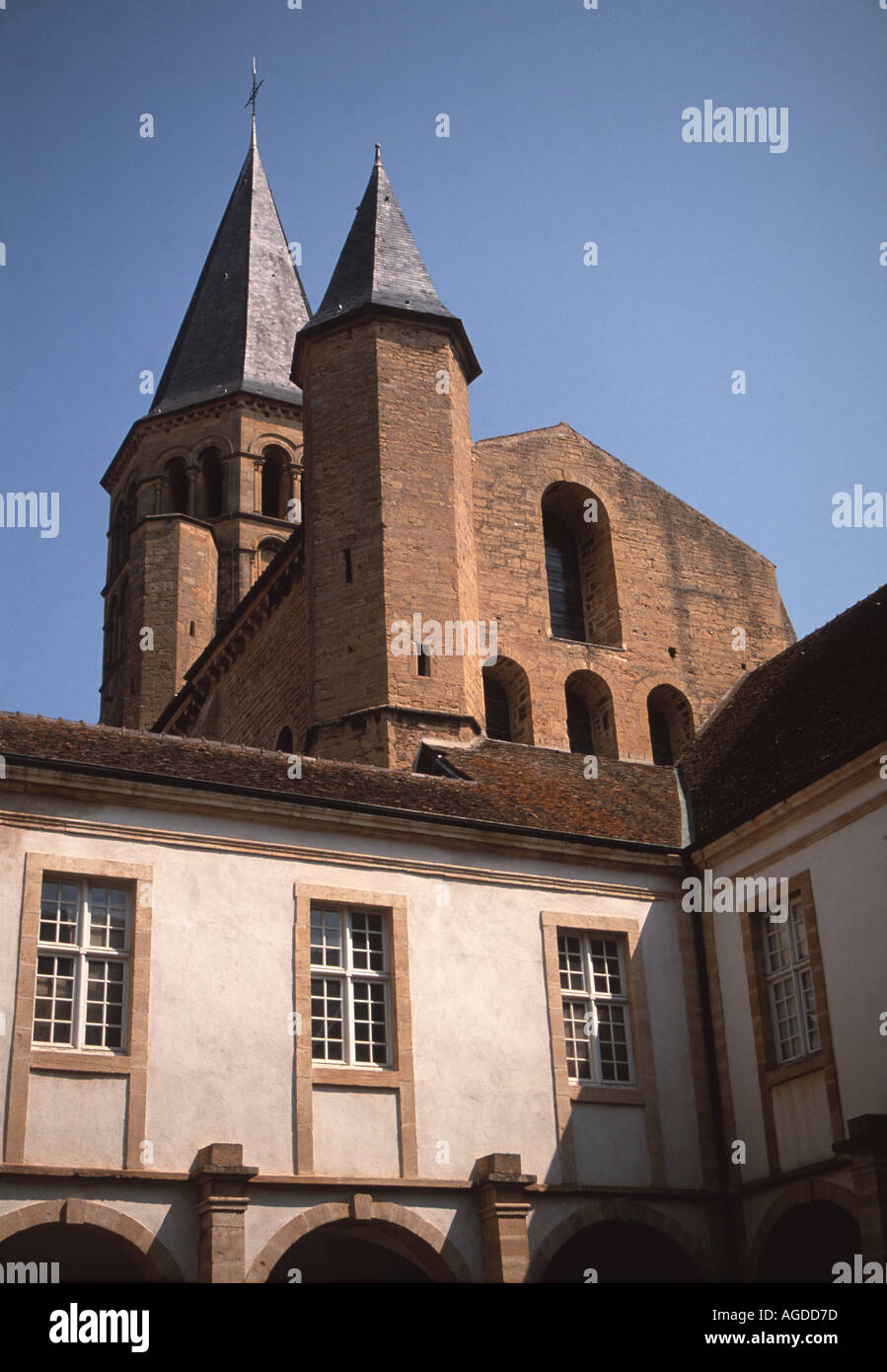 Architecte Paray Le Monial the basilica of the sacred heart above the cloisters at