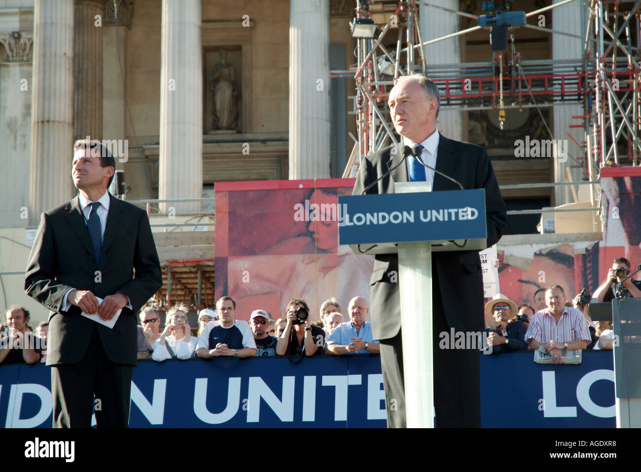 KEN LIVINGSTONE AND SIR SEBASTIAN COLE IN LONDON UNITED RALLY 2006 - Stock Image