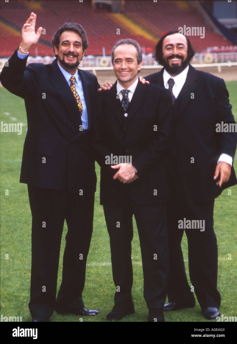 ¿Cuánto mide Plácido Domingo? - Altura The-three-tenors-from-left-placido-domingo-jose-carreras-and-luciano-AGEAG3