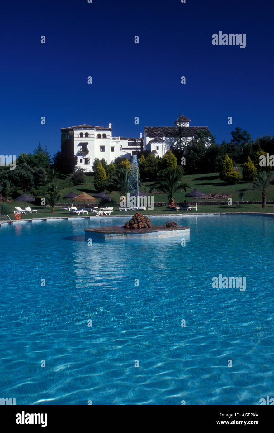 freshwater swimming pool, outdoor swimming pool, La ...