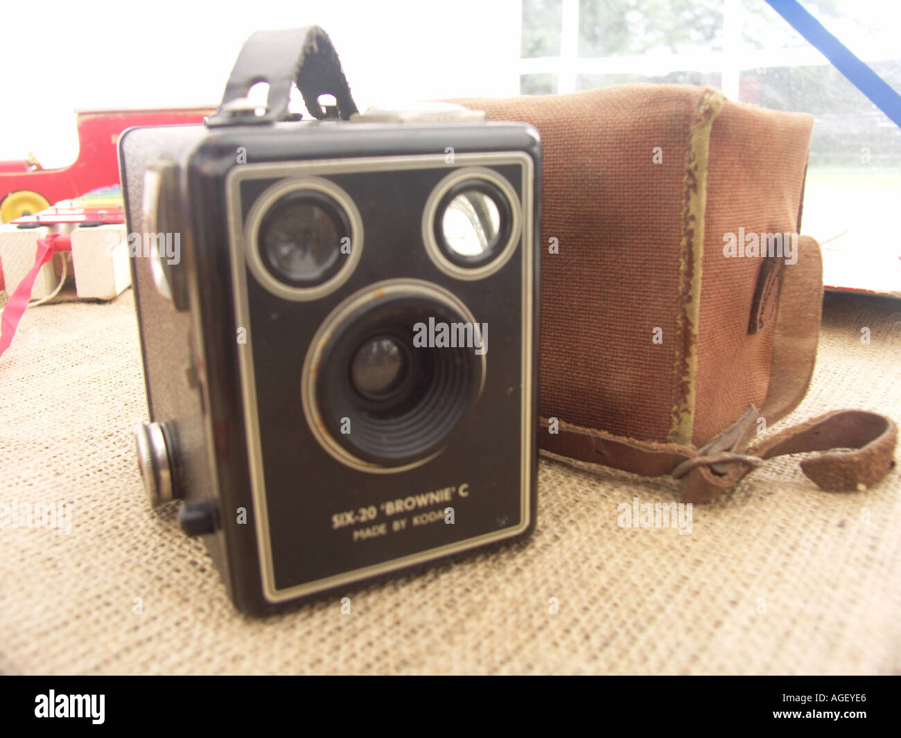 Bow brownie camera and case - Stock Image