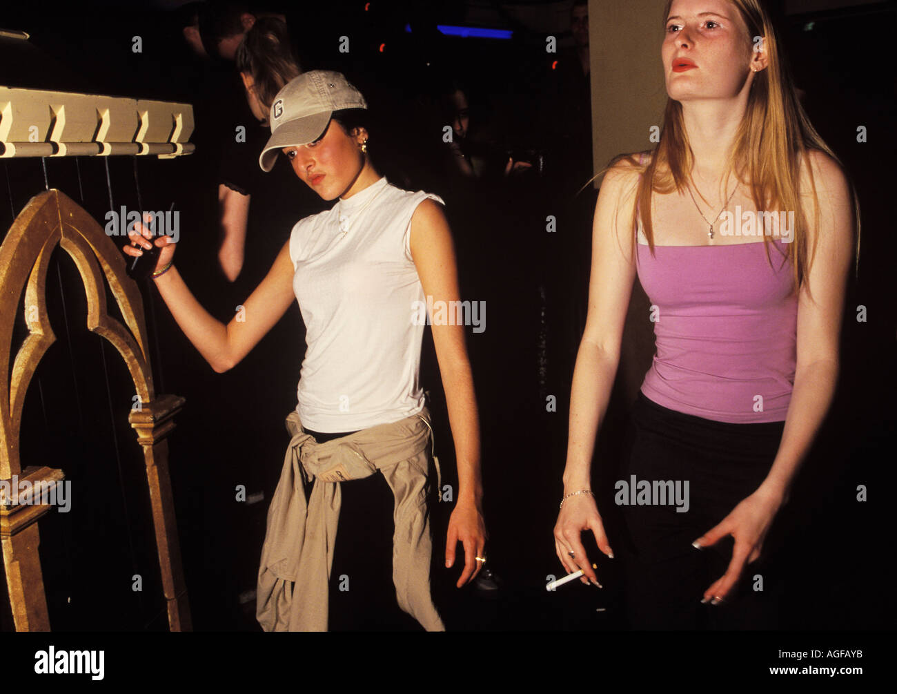 girls dancing in club