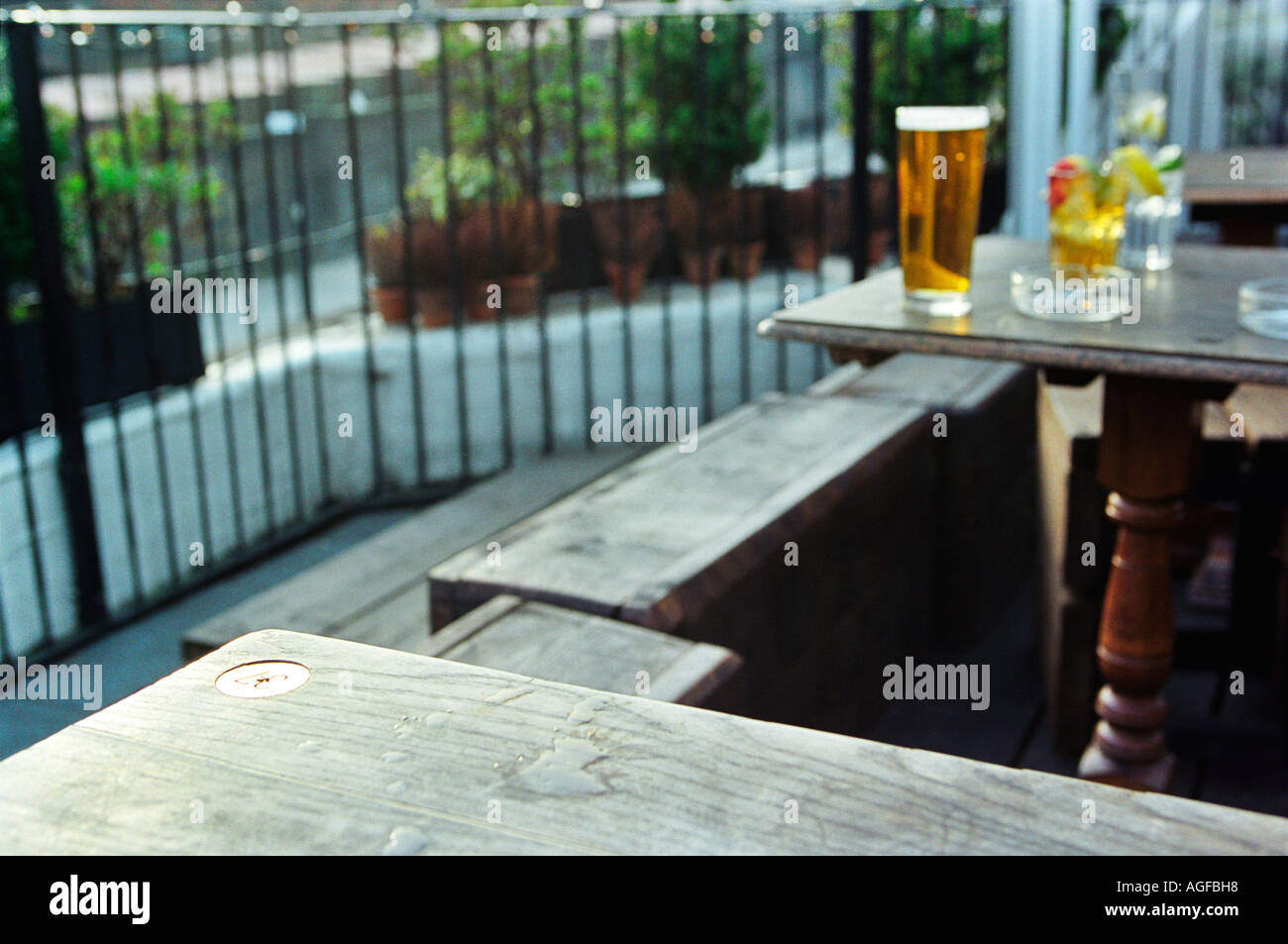 Beer garden at the Lock Tavern Camden London Stock Photo: 8110935 ...