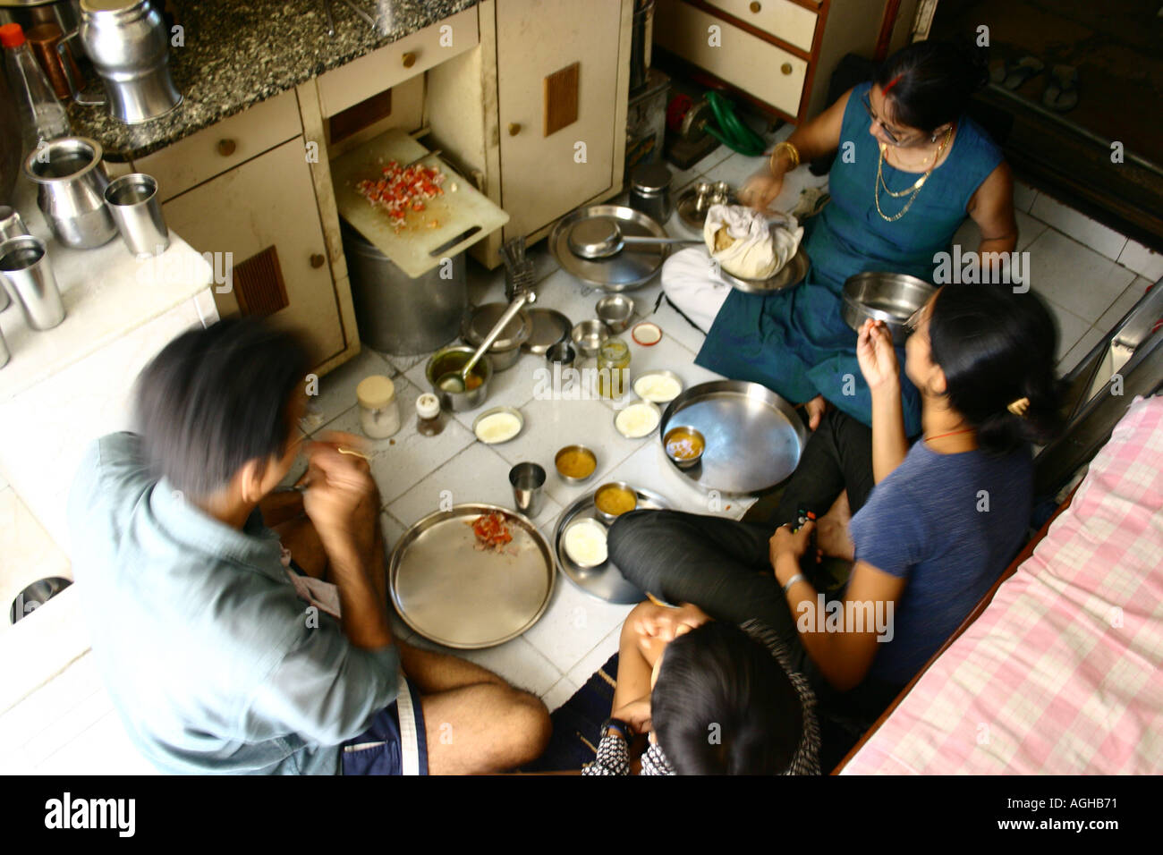 Poor People Food Eating High Resolution Stock Photography And Images Alamy