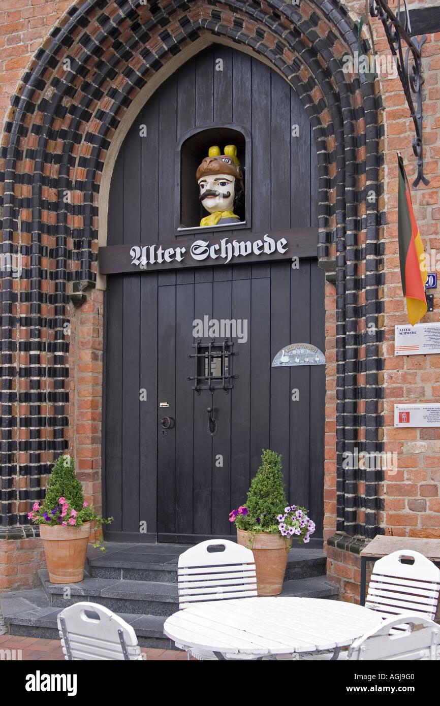 germany mecklenburg vorpommern entrance to the restaurant alter schwede in th old town of wismar - Stock Image
