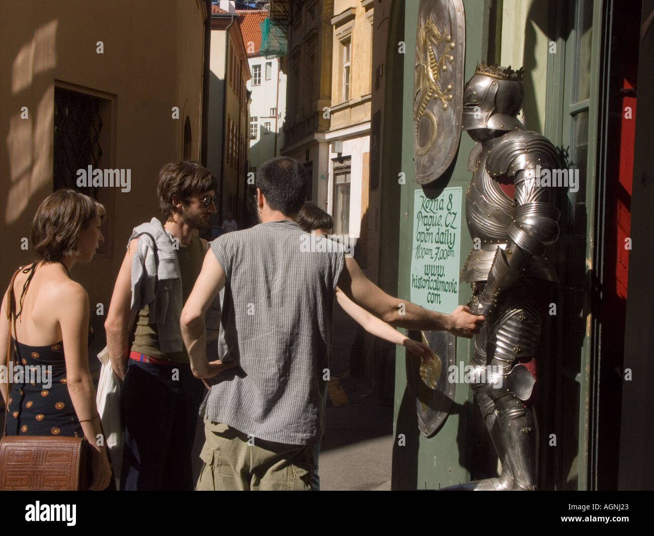 Admiring repro armour for sale in Prague - Stock Image