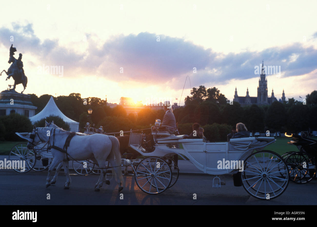 White hackney carriage with white horses at Heldenplatz place in Vienna Austria - Stock Image