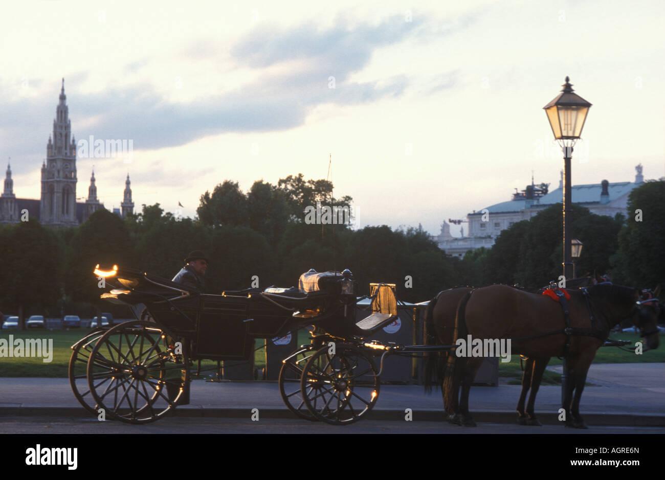 Waitung hackney carriage at Heldenplatz place in Vienna Austria - Stock Image