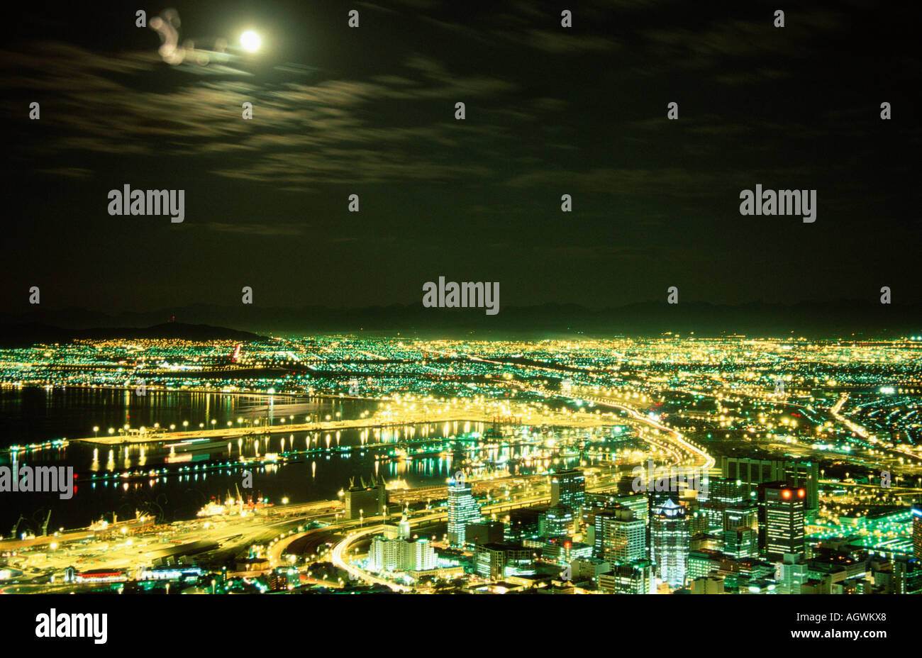 Capetown at night / Kapstadt bei Nacht - Stock Image