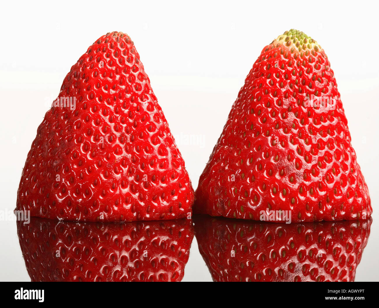 Painet jn5698 strawberries reflected glass 20070430 strawberry fruit food desert reflection color digital horizontal - Stock Image