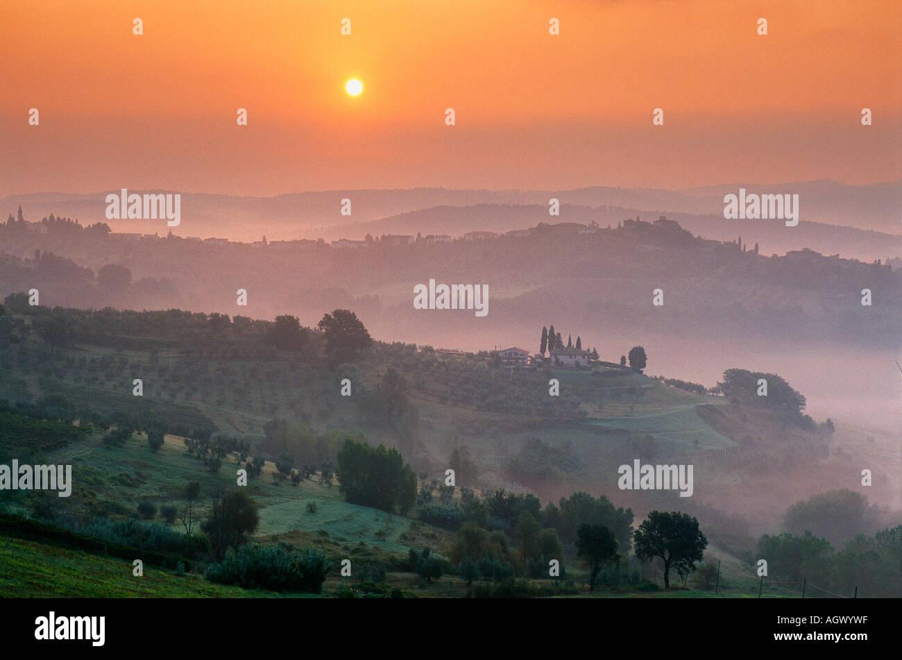 misty dawn nr Barberino Val d Elsa Chianti region Tuscany Italy - Stock Image