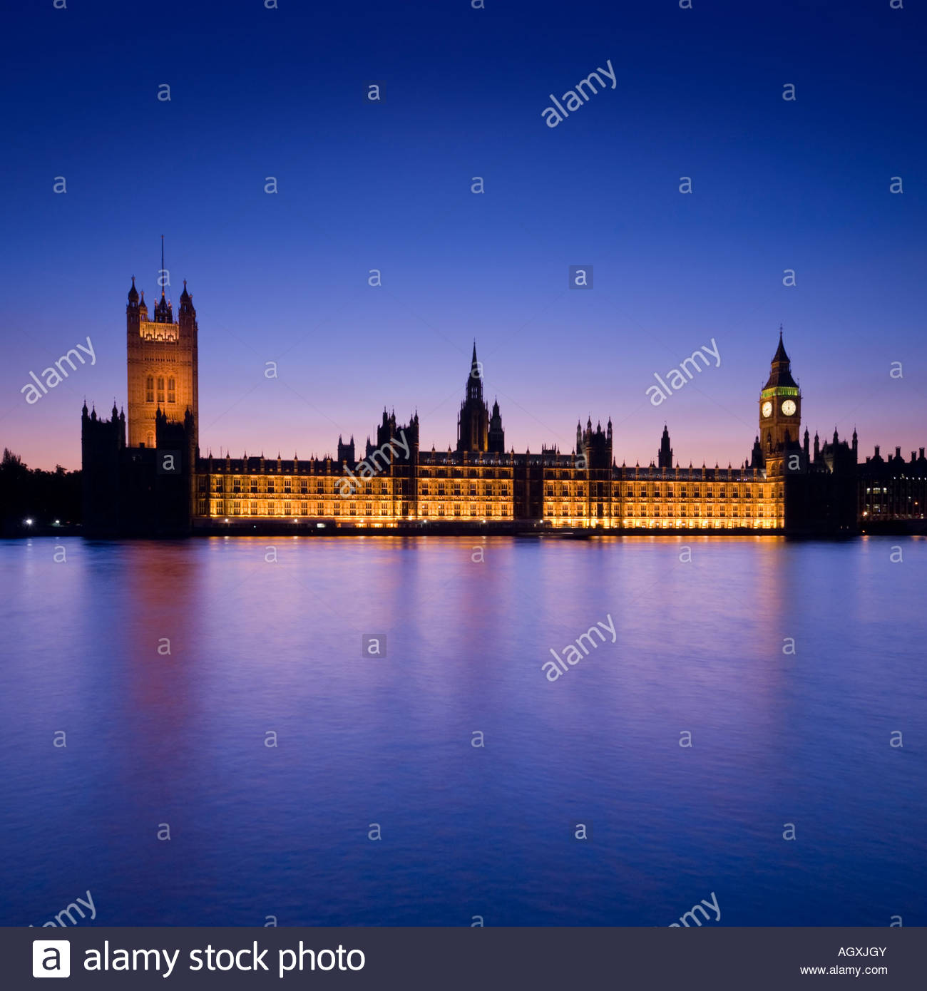 The Houses of Parliament and Big Ben at night, London, England, UK - Stock Image