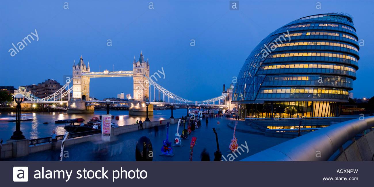 Panoramic view of New City Hall and Tower Bridge, London. - Stock Image