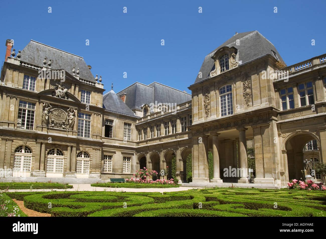France - Hôtel Carnavalet in Marais district at Paris - Stock Image