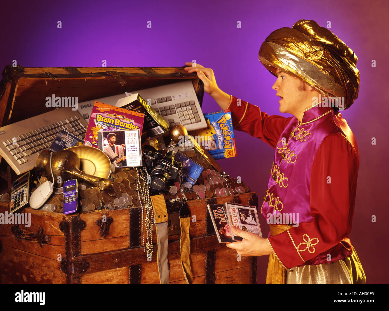 TREASURE CHEST - Stock Image