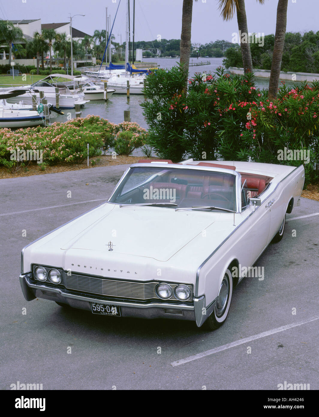 4 Door Convertible >> 1967 Lincoln Continental 4 Door Convertible Stock Photo