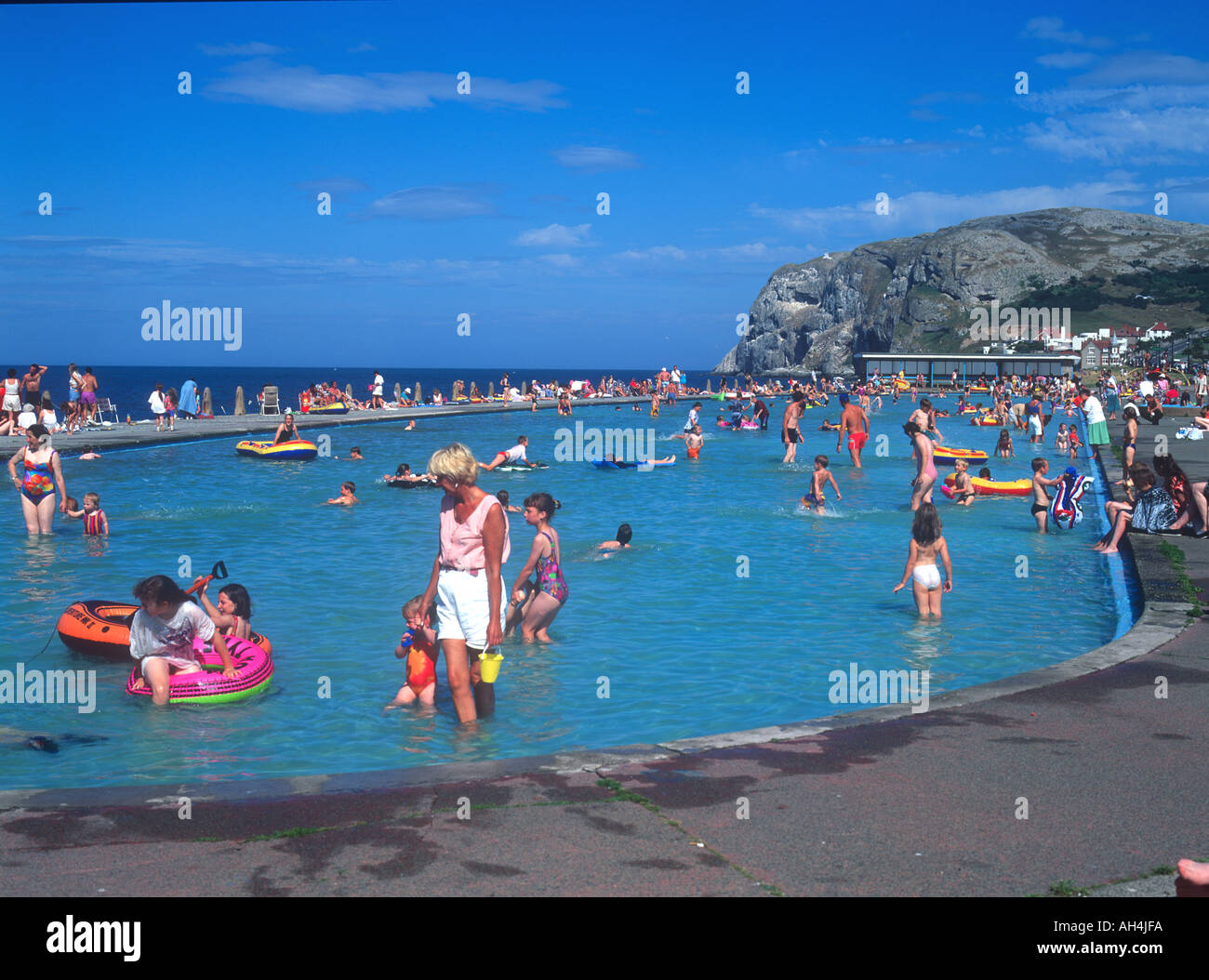 Llandudno outdoor swimming pool stock photos llandudno - Outdoor swimming pools north west ...