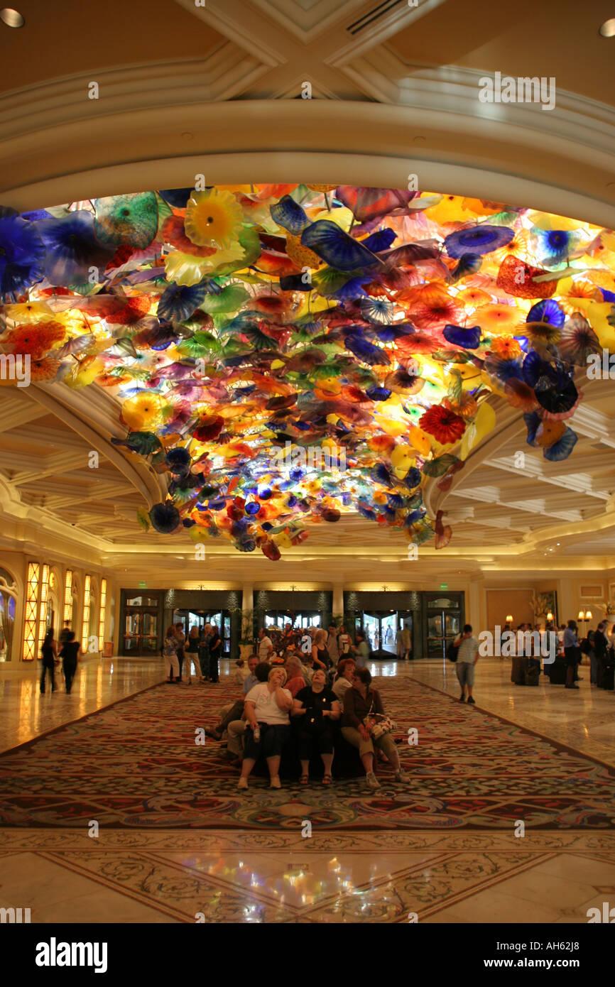 File:Shops in the Bellagio casino, Las Vegas.jpg ... |Las Vegas Bellagio Hotel Lobby