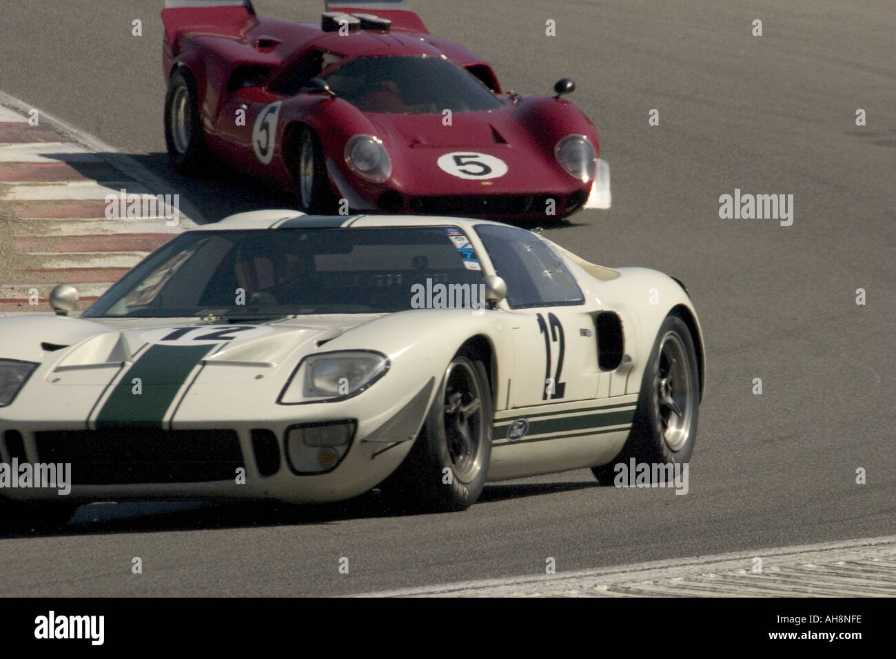 1966 Ford GT40 1967 Lola T 70 GT Monterey Historic Automobile Races - Stock Image