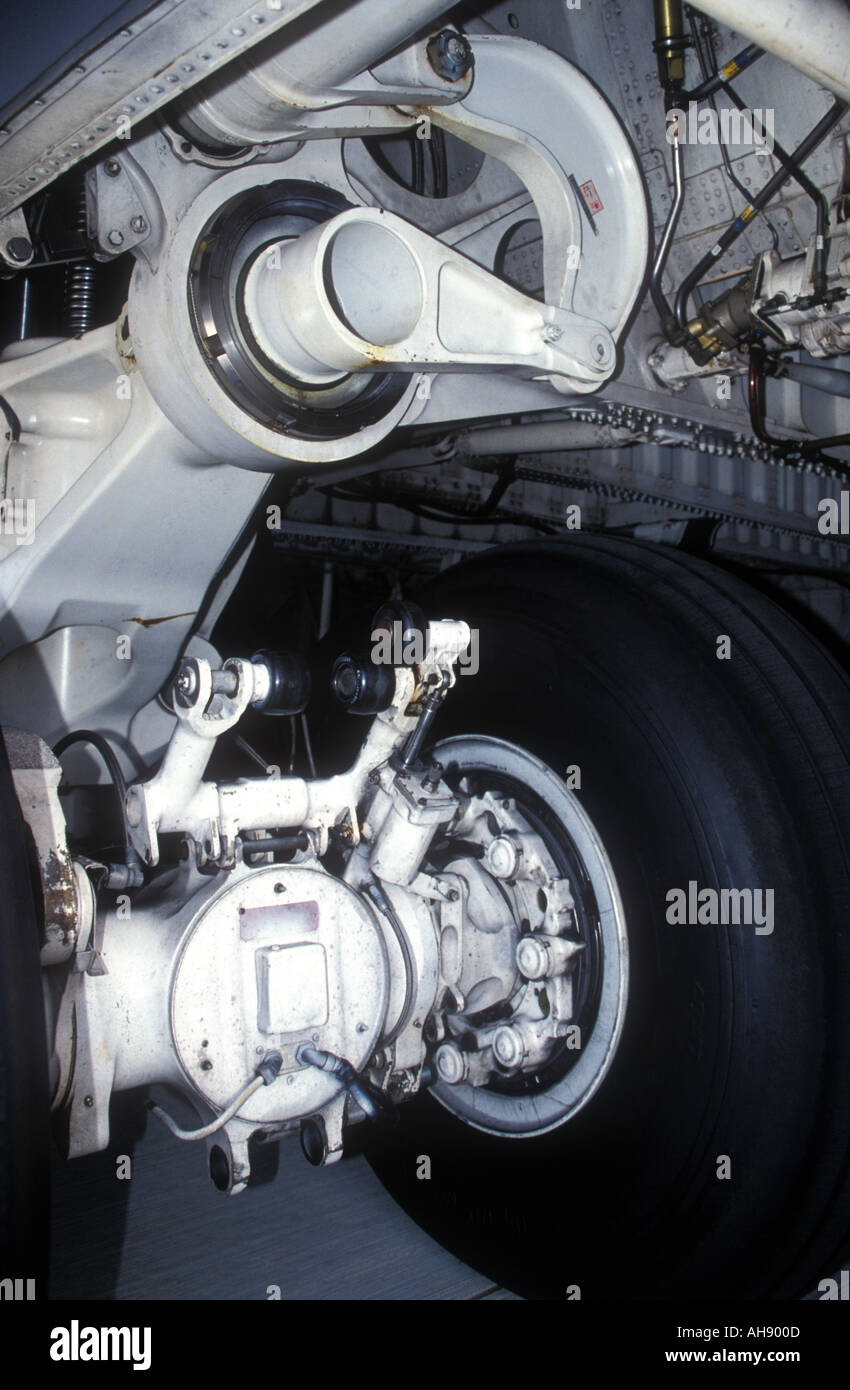 Aircraft wheel and undercarriage of USAF Lockheed C 5 Galaxy - Stock Image