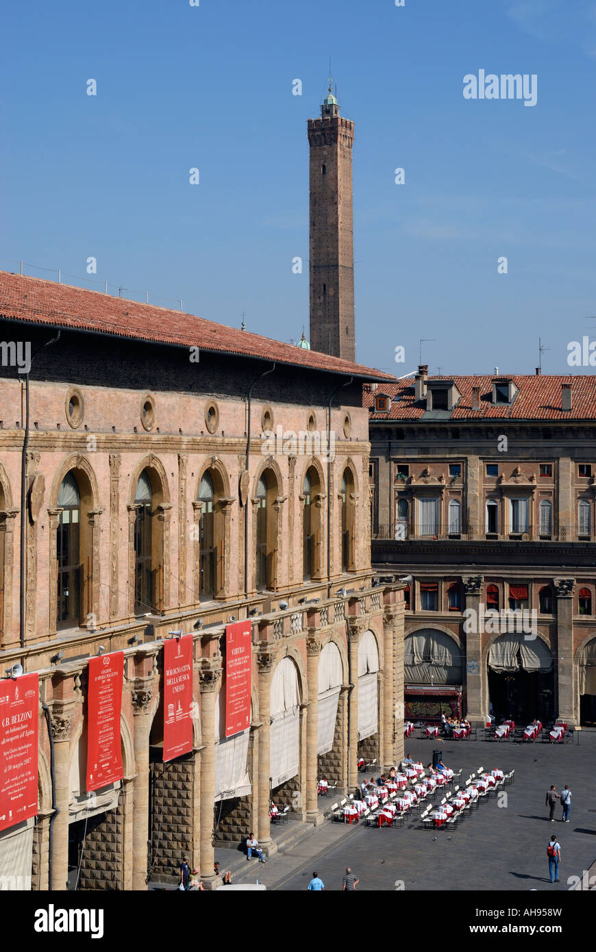 Piazza Maggiore towards Palazzo Re Enzo and Asinelli Tower, Bologna, Italy Stock Photo