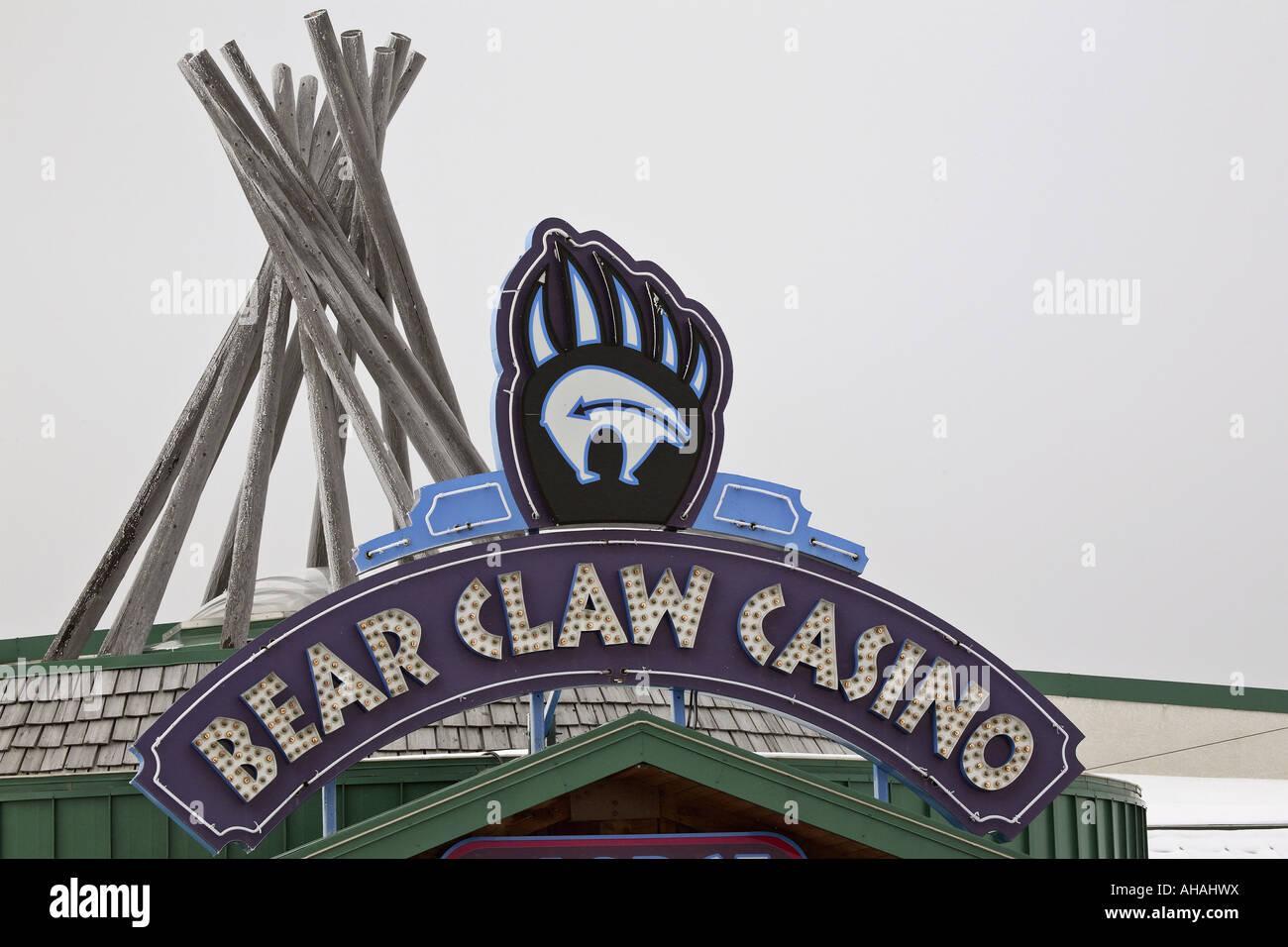 Painet jl7216 casino sign white bear indian reserve saskatchewan canada 5 claw first nations travel horizontal digital - Stock Image