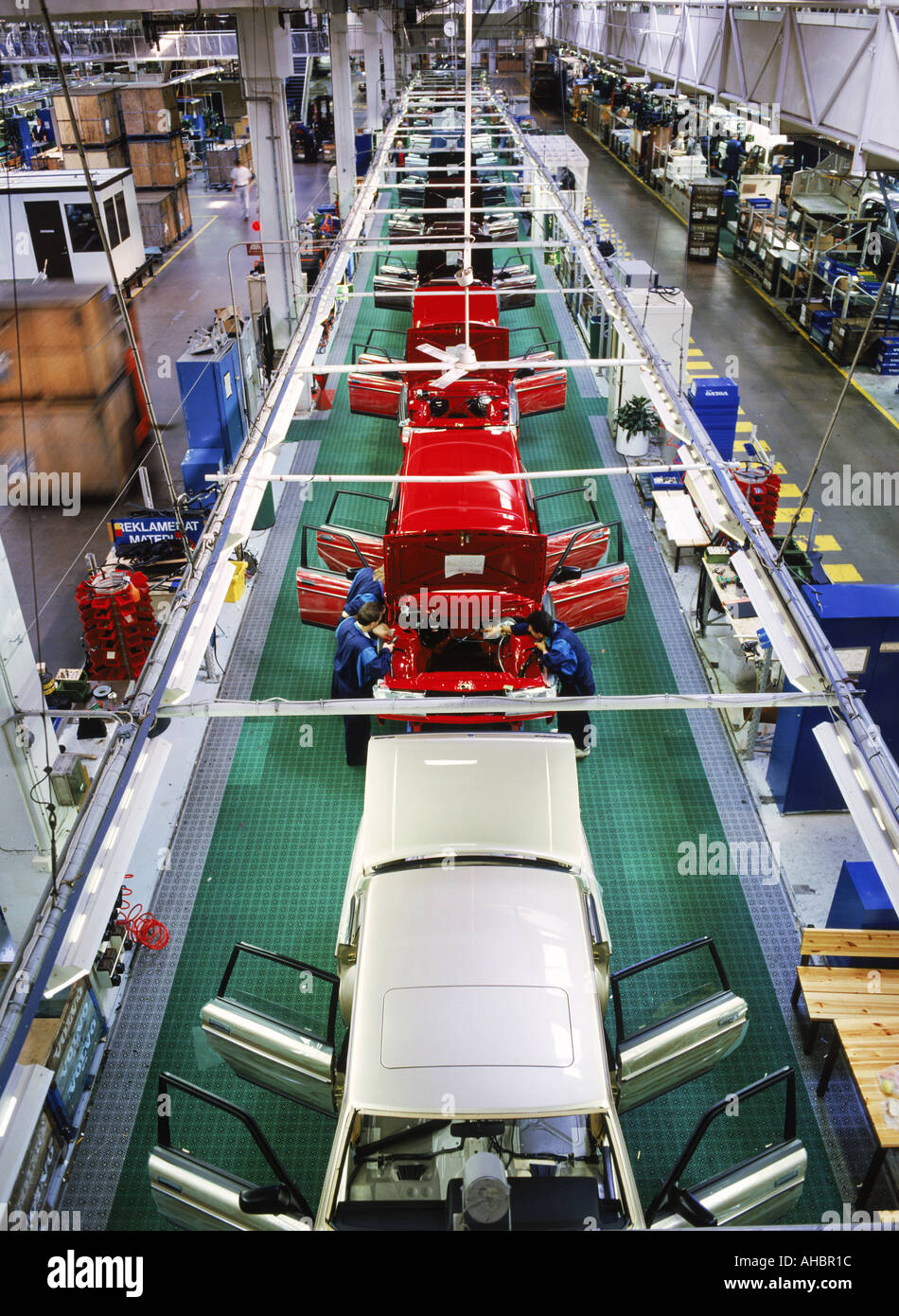 Auto assembly line at Volvo Torslanda Plant in Gothenburg Sweden Stock Photo: 4709147 - Alamy