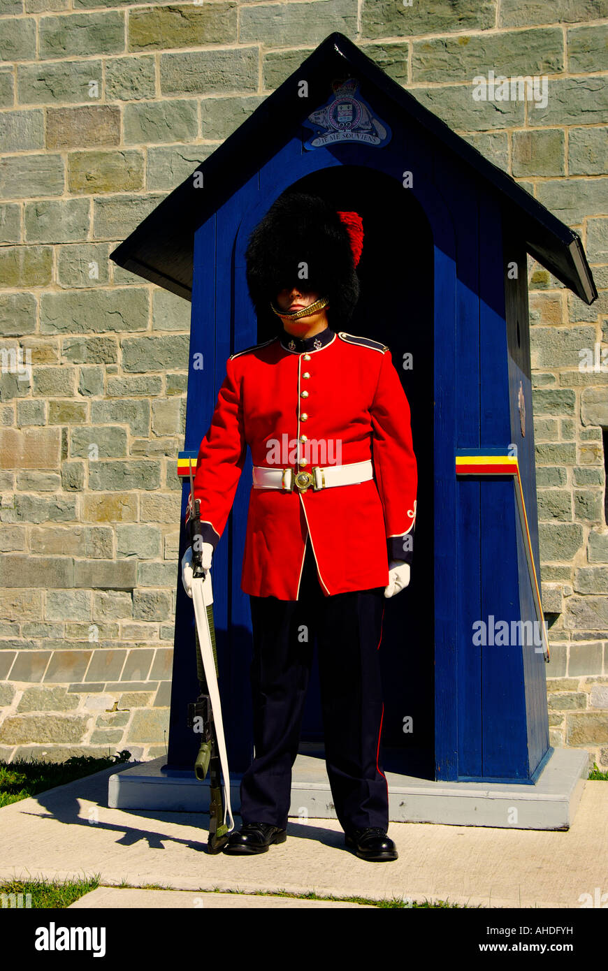 Bear skin-hatted guard of the 22nd Regiment based at the Citadel in Quebec City - Stock Image