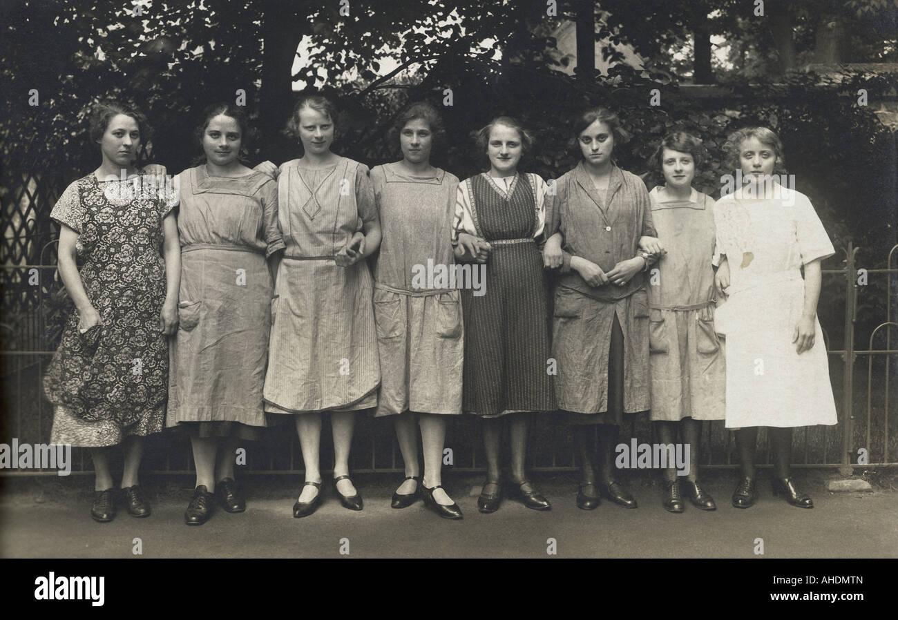 Th Century Fashion For Women