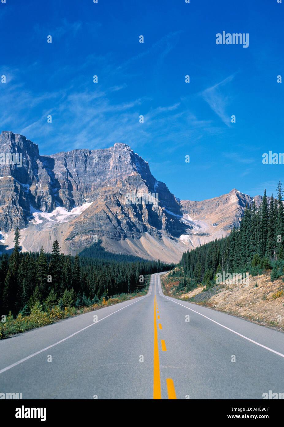 Road and mountains, Colorado, Rockies, USA - Stock Image