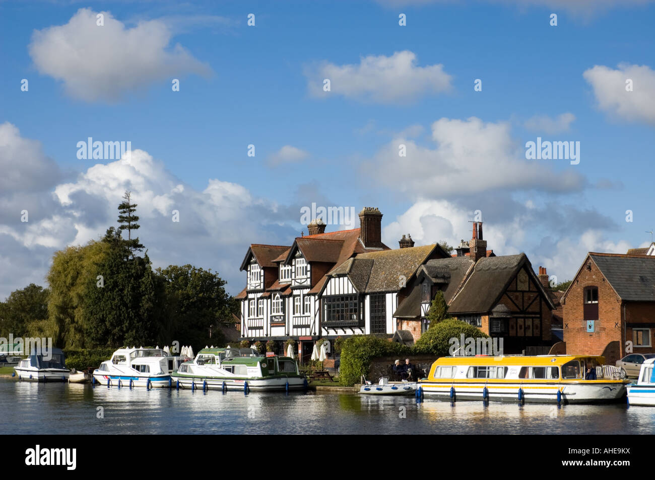 Horning, River Bure, Norfolk Broads, Norfolk, East Anglia, England, UK Stock Photo