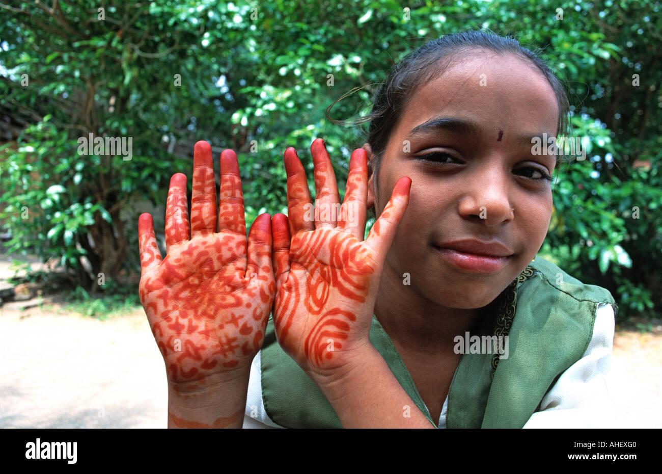 Indian girl with henna painted hands Khajuraho Madhya Pradesh India - Stock Image