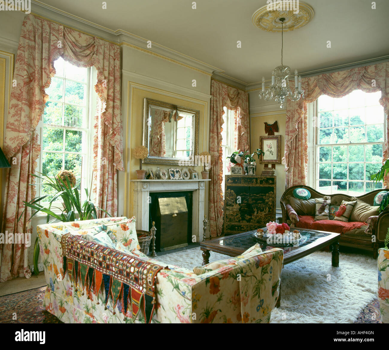 Brilliant Pink Toile De Jouy Curtains In Country Living Room With Pdpeps Interior Chair Design Pdpepsorg