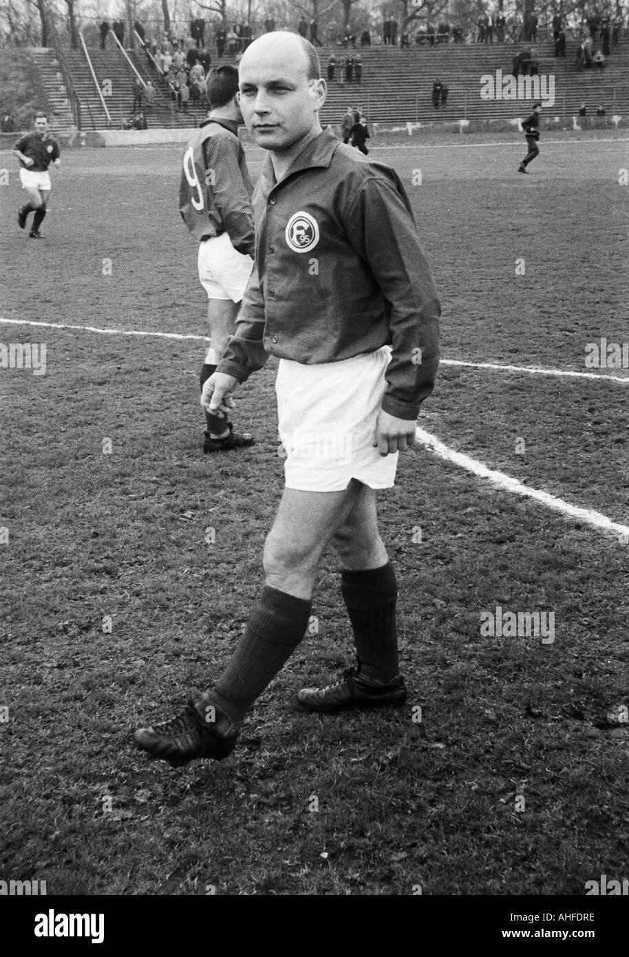 football, Regionalliga West, 1964/1965, Eintracht Duisburg versus Fortuna Duesseldorf 1:1, Wedau Stadium in Duisburg, Stock Photo