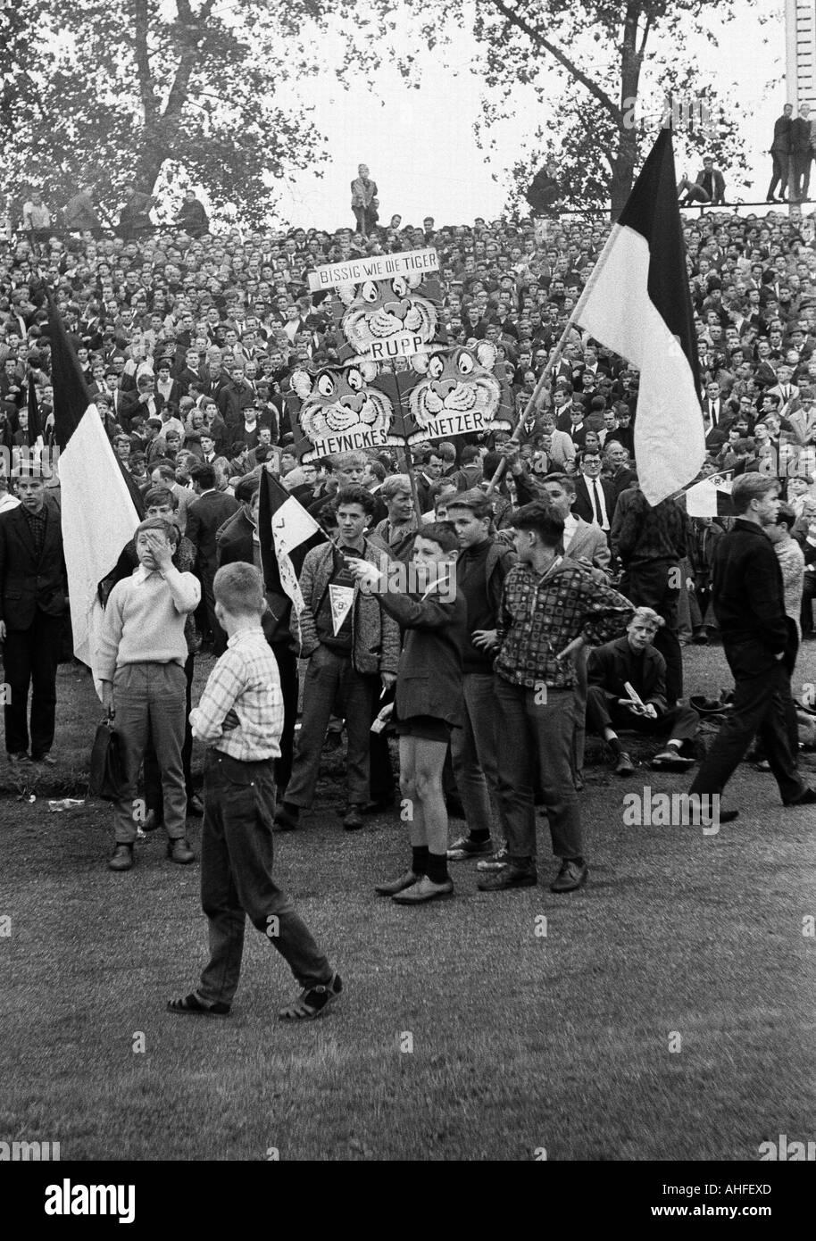 football, Bundesliga, 1965/1966, FC Schalke 04 versus Borussia Moenchengladbach 0:0, Glueckaufkampfbahn Stadium, crowd of spectators, Gladbach fans - Stock Image