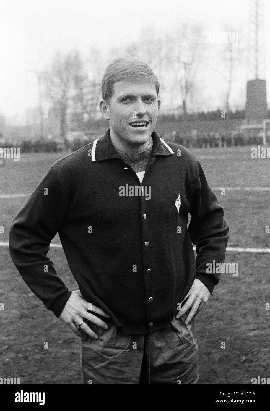 football, Bundesliga, 1965/1966, Glueckaufkampfbahn Stadium in Gelsenkirchen, Schalke 04 versus Werder Bremen 1:6, football player, portrait of John Danielsen (Bremen) - Stock Image