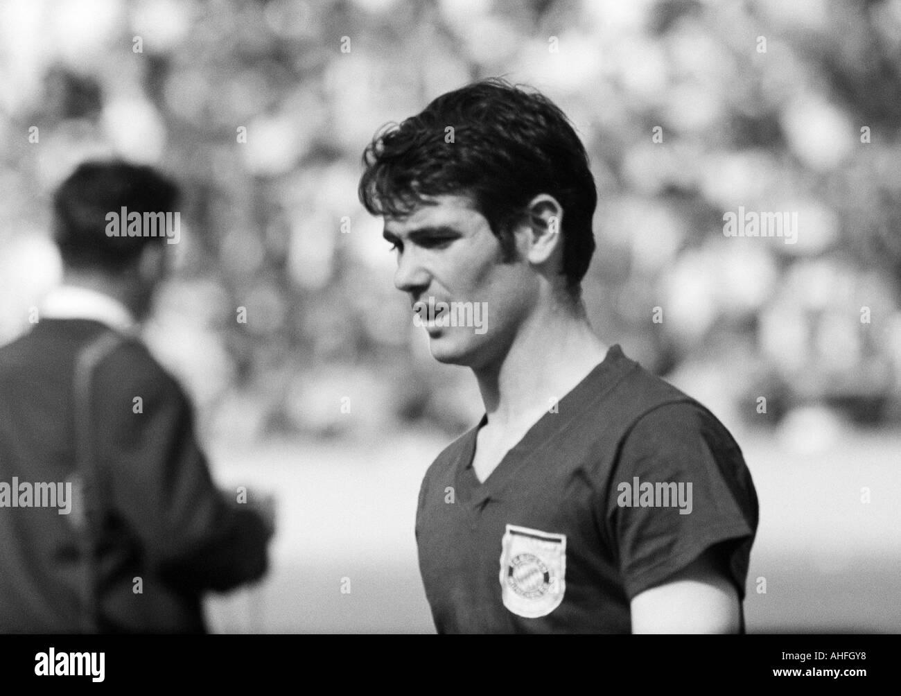 football, Bundesliga, 1965/1966, Wedau Stadium in Duisburg, Meidericher SV versus FC Bayern Munich 1:1, football player, portrait of Rudolf Nafziger - Stock Image
