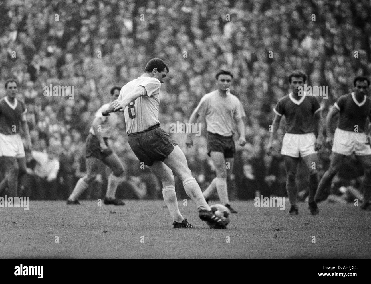 football, Bundesliga, 1966/1967, FC Schalke 04 versus Eintracht Brunswick 0:0, Stadium Glueckaufkampfbahn in Gelsenkirchen, Stock Photo