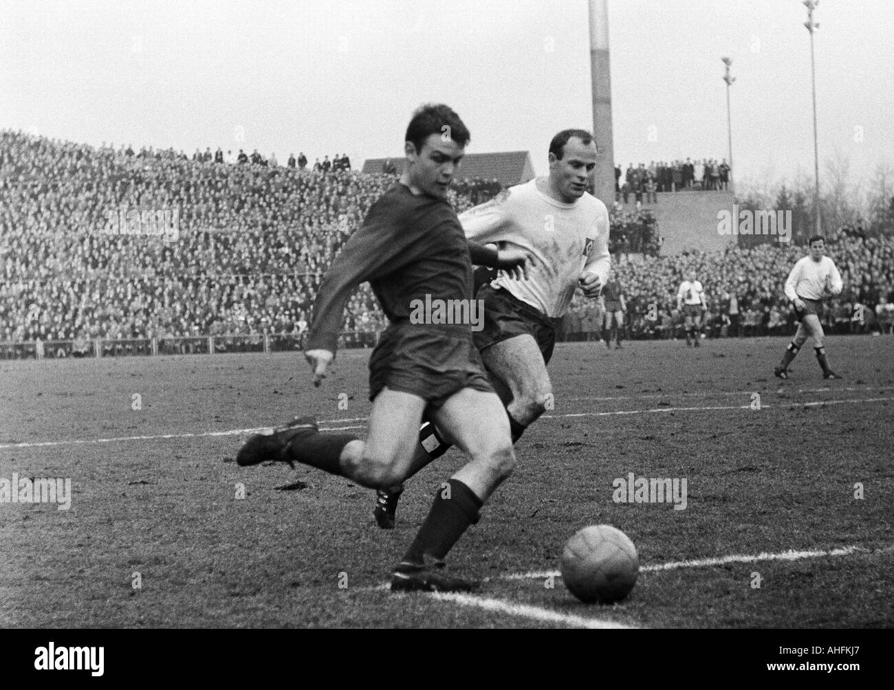 football, Bundesliga, 1966/1967, Boekelberg Stadium, Borussia Moenchengladbach versus Hamburger SV 4:2, scene of Stock Photo