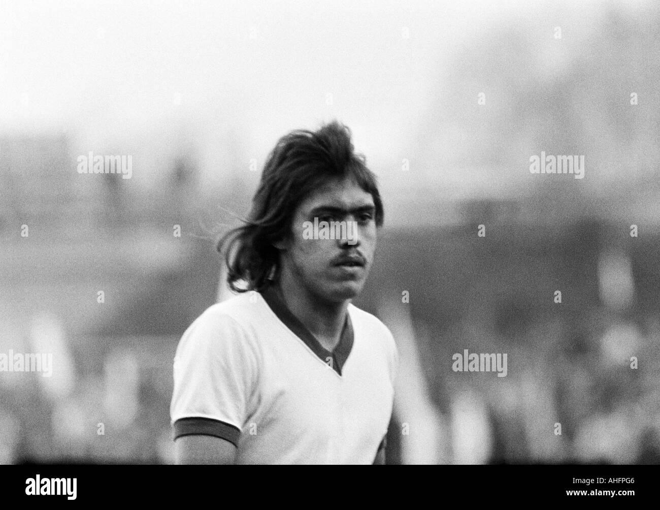 football, Bundesliga, 1972/1973, FC Schalke 04 versus Rot-Weiss Oberhausen 3:0, Glueckaufkampfbahn Stadium in Gelsenkirchen, football player, Manfred Dubski (S04) - Stock Image