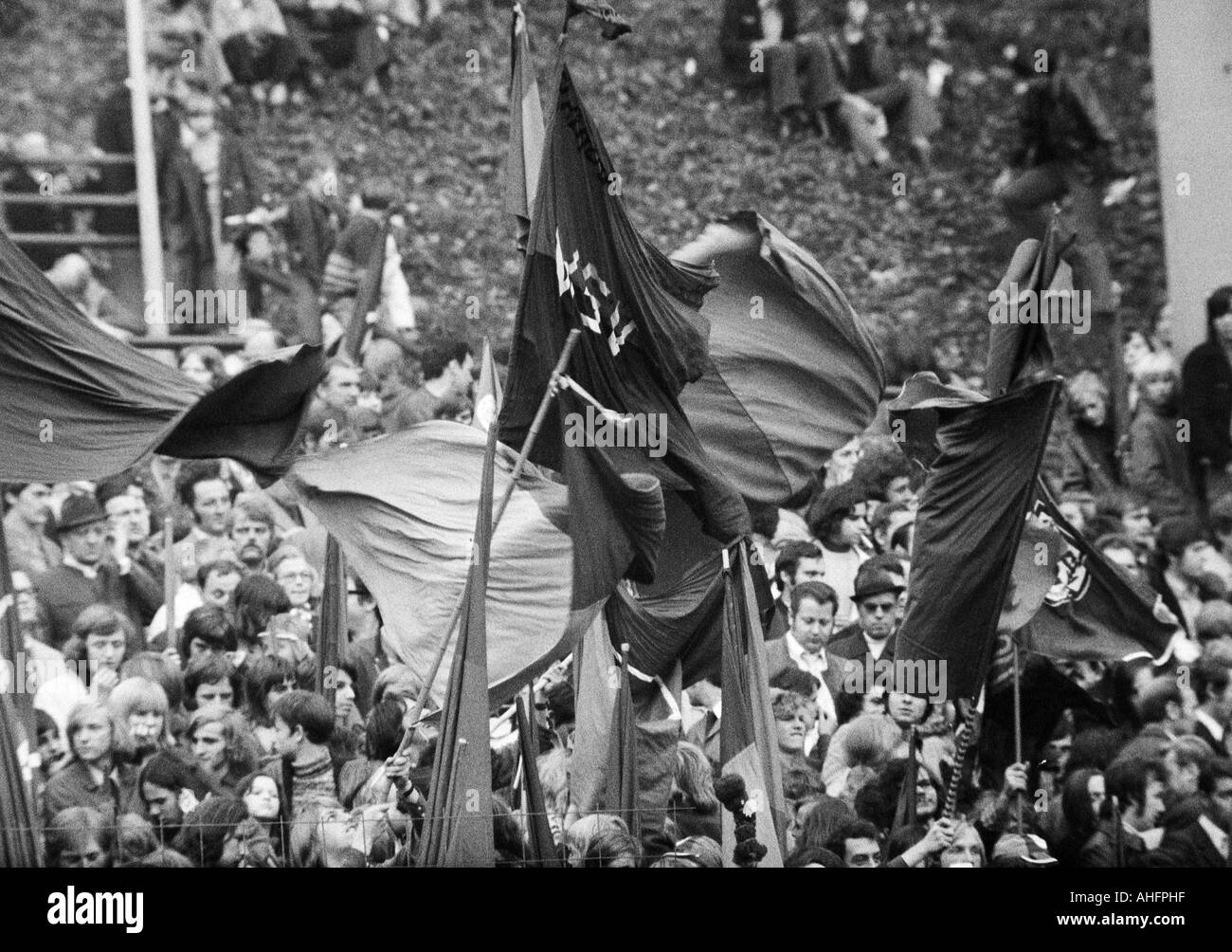 football, Bundesliga, 1972/1973, Wuppertaler SV versus Hertha BSC Berlin 4:1, Stadium am Zoo in Wuppertal, crowd of spectators, Wuppertal football fans wave their club flags - Stock Image