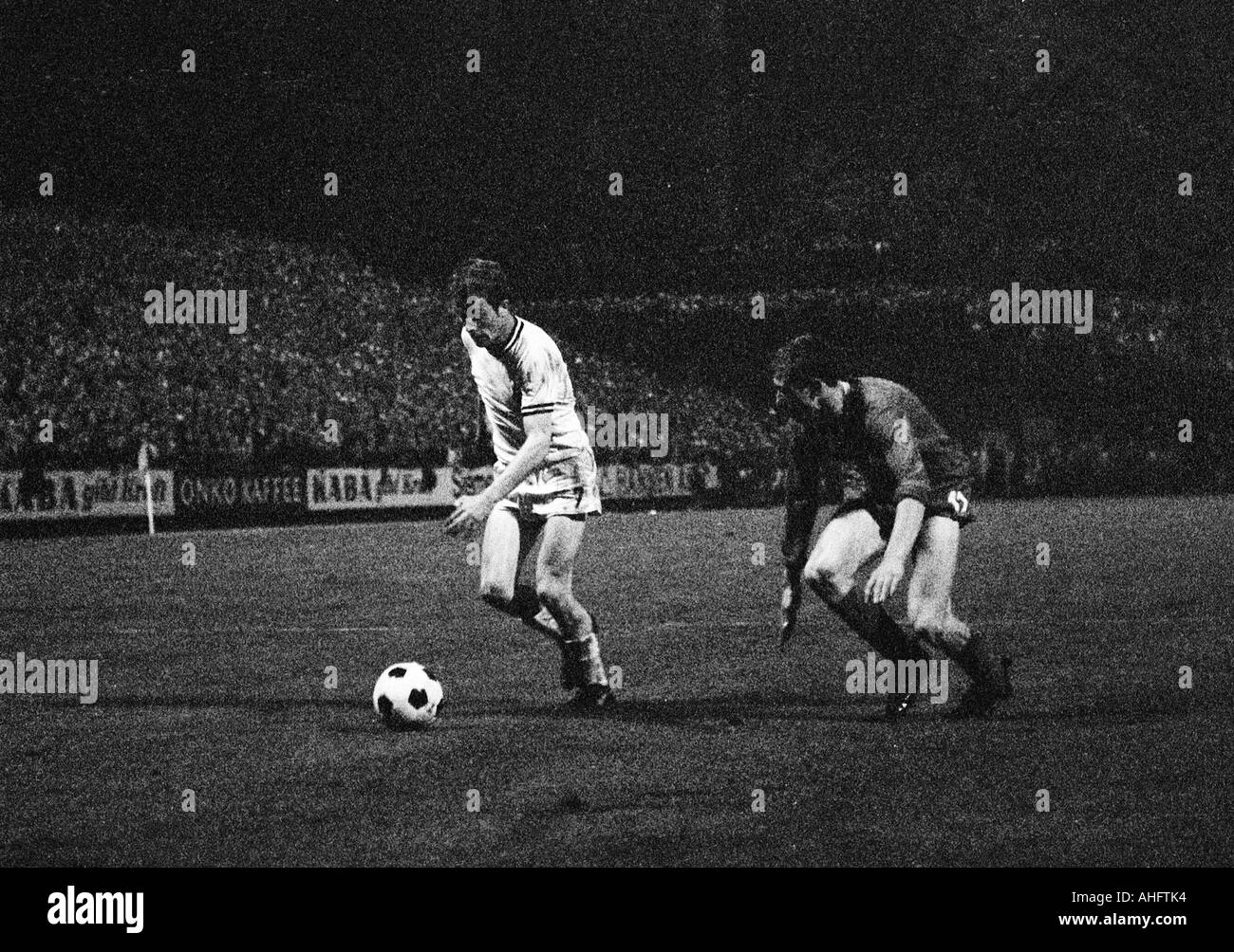 football, Bundesliga, 1968/1969, Boekelberg Stadium, Borussia Moenchengladbach versus Kickers Offenbach 4:1, scene of the match, duel between Herbert Wimmer (Gladbach) left and Dieter Fern (Offenbach) - Stock Image