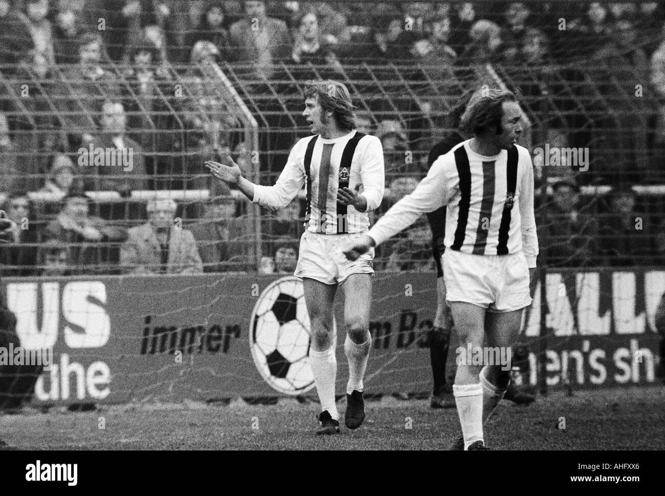 football, Bundesliga, 1972/1973, Borussia Moenchengladbach versus FC Bayern Munich 0:3, Boekelberg Stadium, scene of the match, left Henning Jensen (MG), right Bernd Rupp (MG) - Stock Image