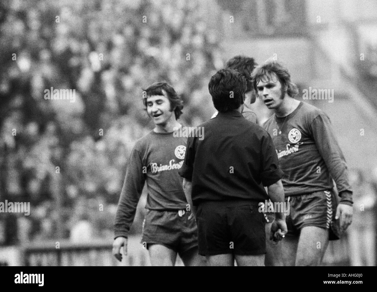 football, Bundesliga, 1973/1974, Boekelberg Stadium, Borussia Moenchengladbach versus MSV Duisburg 3:2, scene of Stock Photo