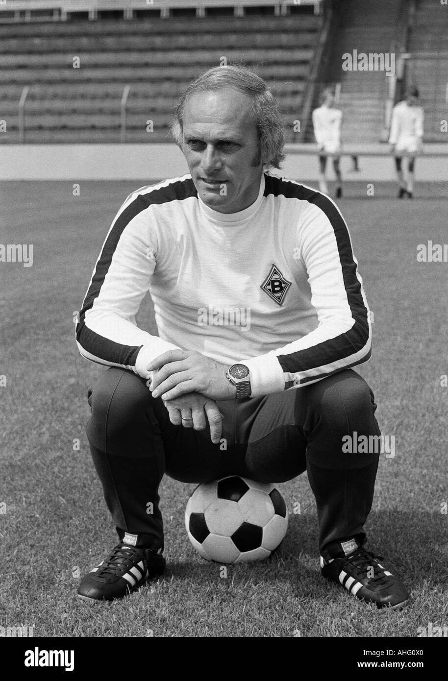 football, Bundesliga, Borussia Moenchengladbach, presentation of the team for the new saison 1975/1976, press photo shooting, portrait of coach Udo Lattek - Stock Image