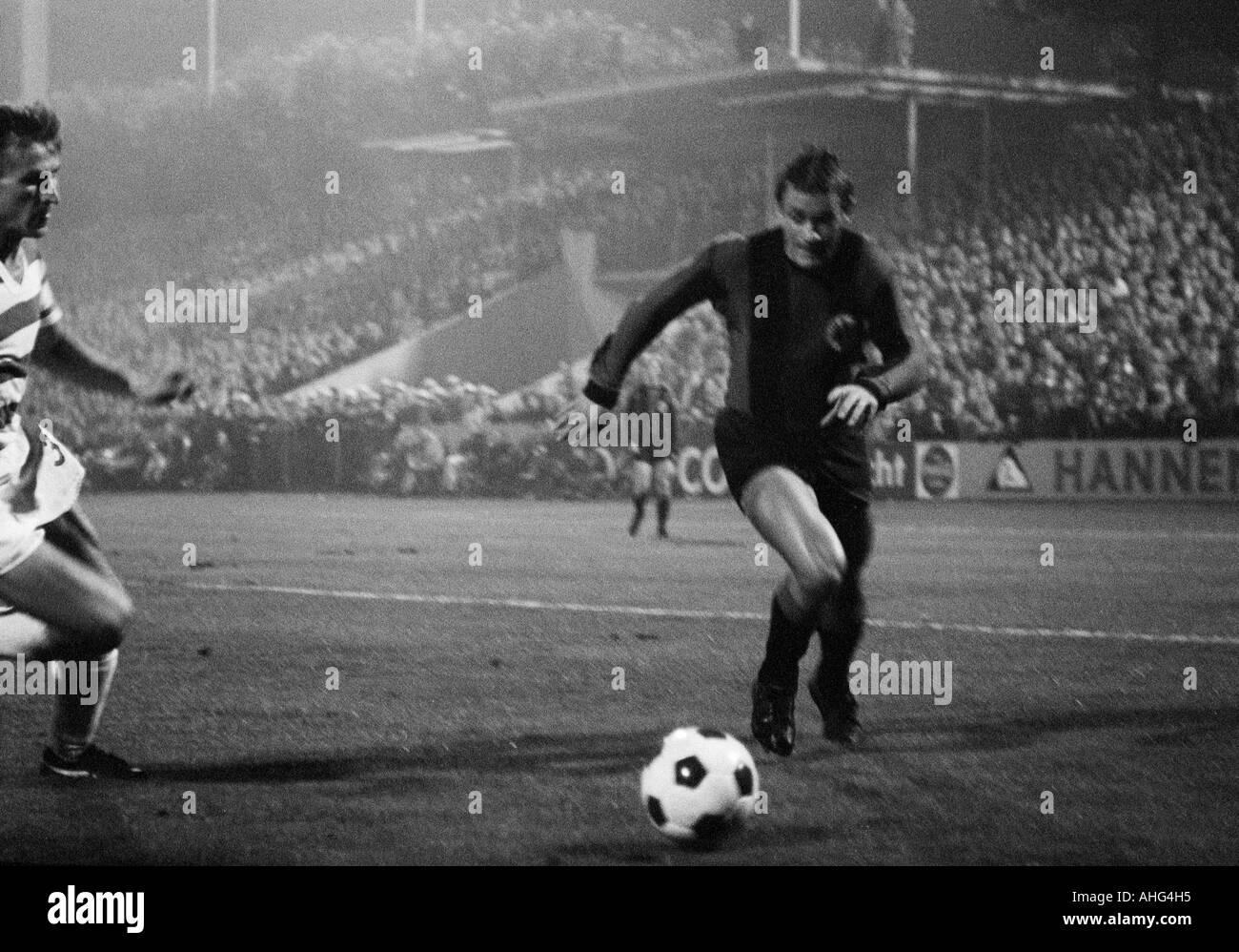 football, Bundesliga, 1967/1968, Wedau Stadium in Duisburg, MSV Duisburg versus Eintracht Frankfurt 0:1, scene of the match, duel between Manfred Mueller (MSV) left and Oskar Lotz (Frankfurt) - Stock Image