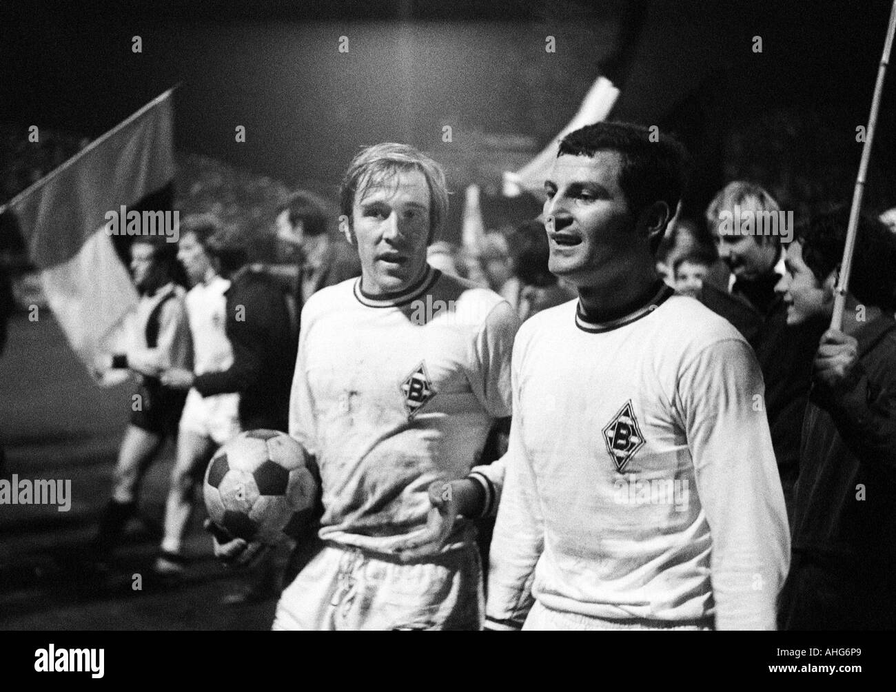 football, Bundesliga, 1969/1970, Borussia Moenchengladbach versus Alemannia Aix-La-Chapelle 5:1, Boekelberg Stadium, football players, left Guenter Netzer, right Ludwig Mueller (both Gladbach) - Stock Image